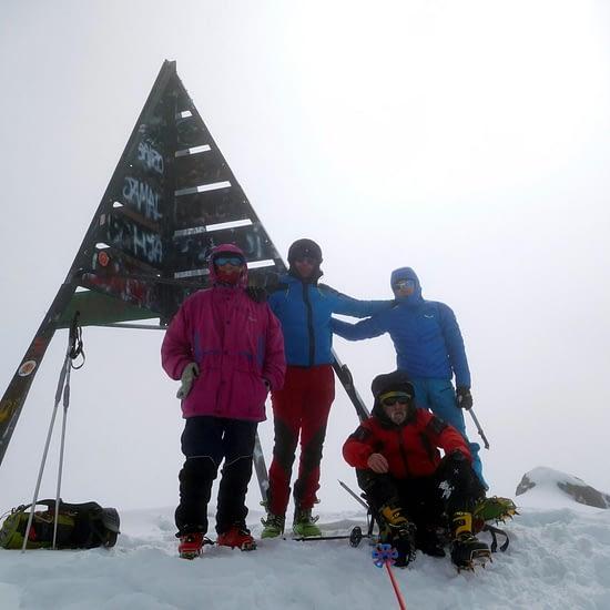 ski touring in atlas mountains (2)